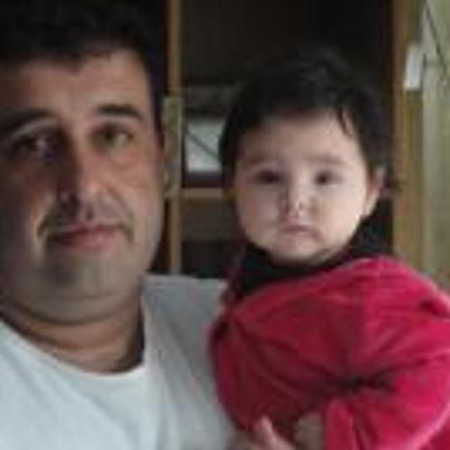 Ari Makris's avatar