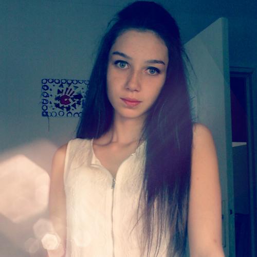 Loreena A's avatar