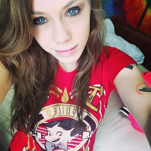 Emily Pierce 2's avatar