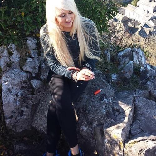 Amber Rose Pickup's avatar