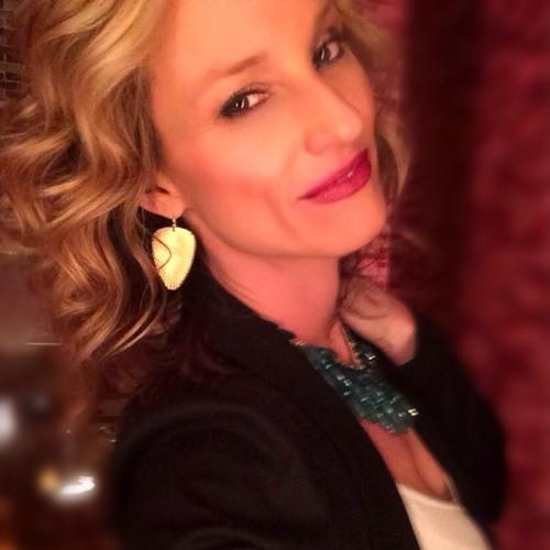 Lori Stout's avatar