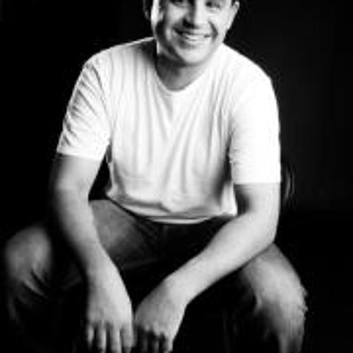 Claudio Assuncao's avatar