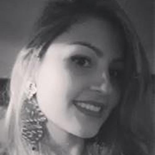 Bruna Carolina Rodrigues's avatar