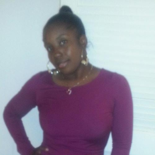 Rosey Vicker's avatar