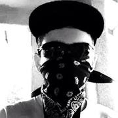 Michael Avila 18's avatar