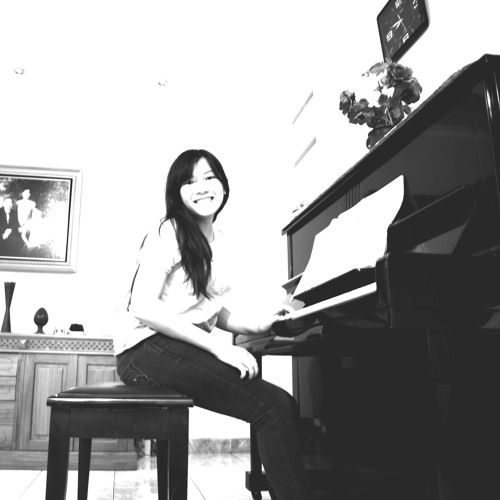 Esther Lamria's avatar