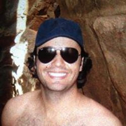 Tiago Castro Alves's avatar