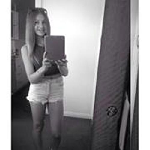 Chloe Julie Carpenter's avatar