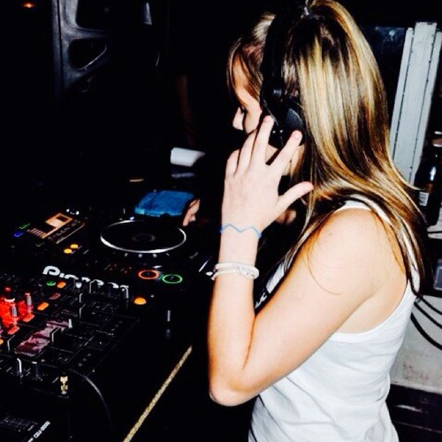 Maria Kova83's avatar