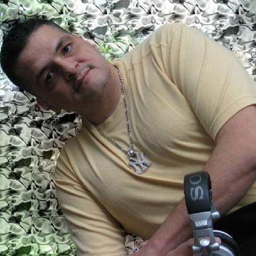 Michael Kidd Gomez's avatar