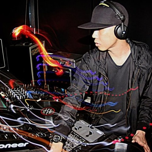 DJ IzL's avatar