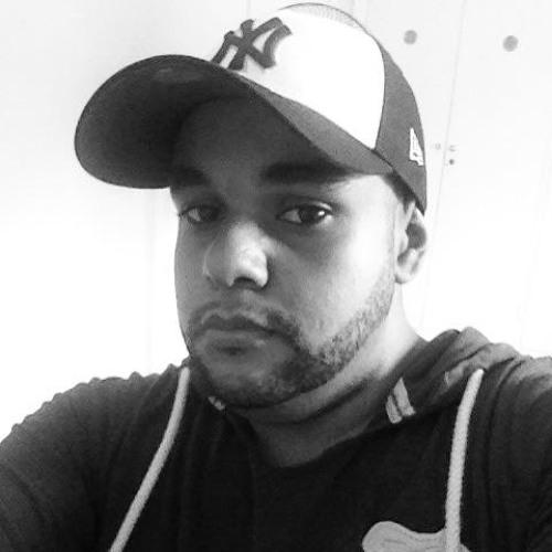 Carlos Oliveira 39's avatar