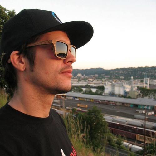 Trevor Vichas's avatar