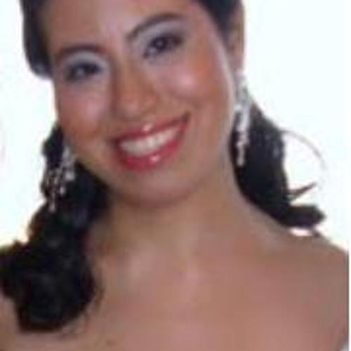 Lívia Uehara's avatar