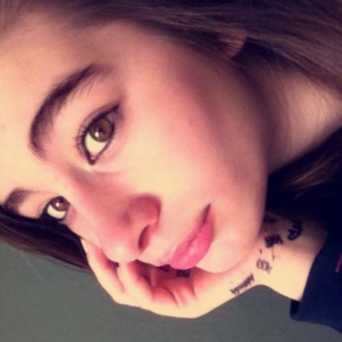 KiaraBella's avatar