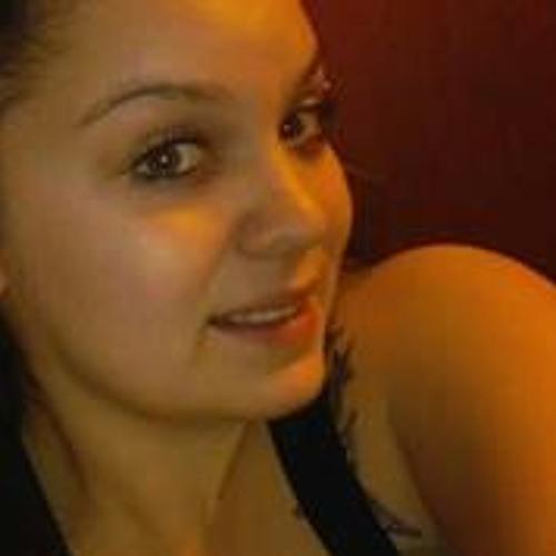 Ashley Castro 18's avatar