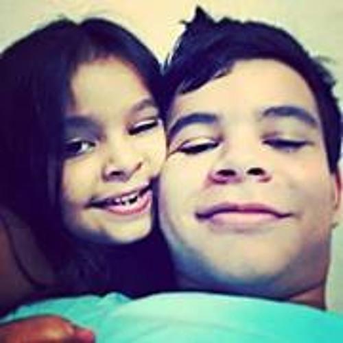 Carlos Michel 10's avatar