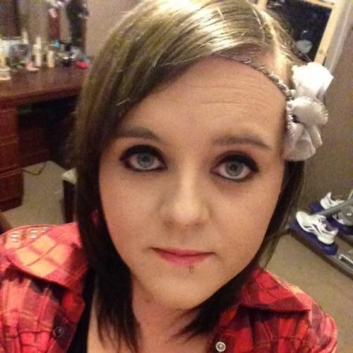 Lisa Lily-Lou Warren's avatar
