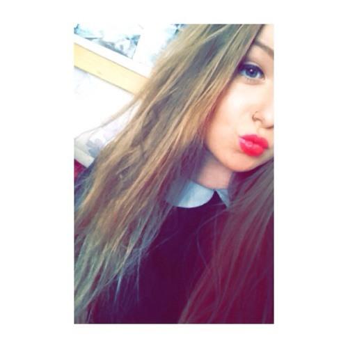 Zoe Anderson 9's avatar