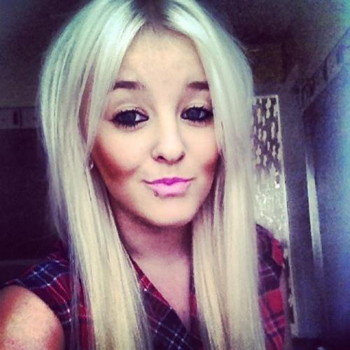 Ashleigh-Marie's avatar