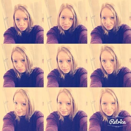 Amy Thomas 20's avatar