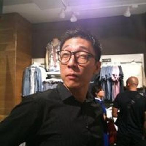 Roy Tan 15's avatar