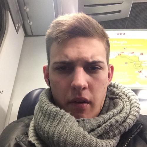 Manuel Spaćek's avatar