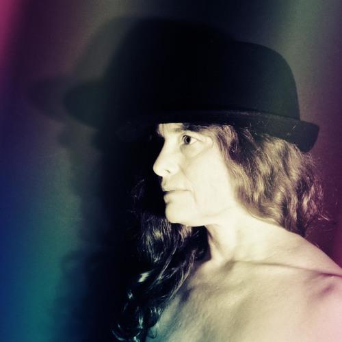 Vivi-Mari Carpelan's avatar