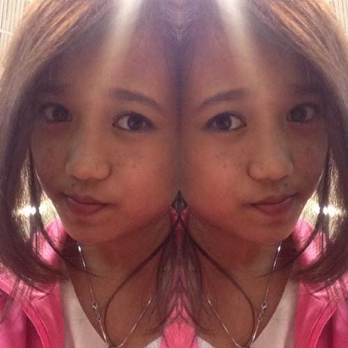iam_yolo_girl's avatar