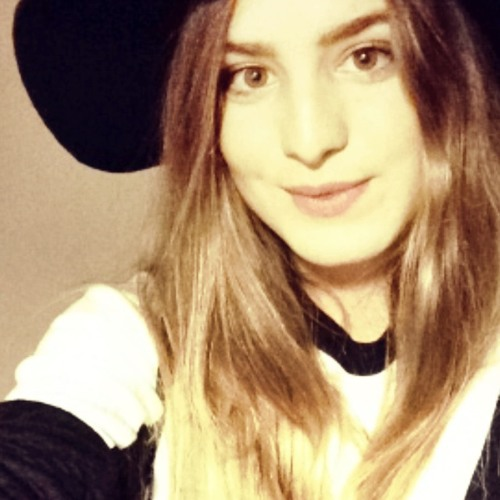 Elisa Girard's avatar