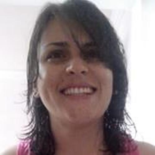 Altina Dourado's avatar
