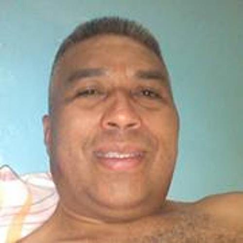Isael Medina's avatar