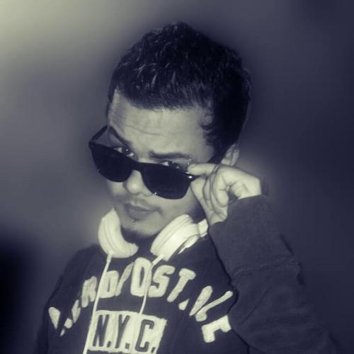 Deejay Sky ★'s avatar