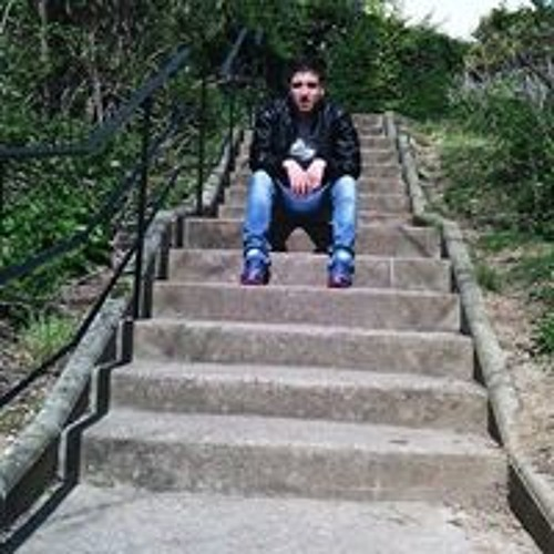 Adel Bouzeghaia's avatar