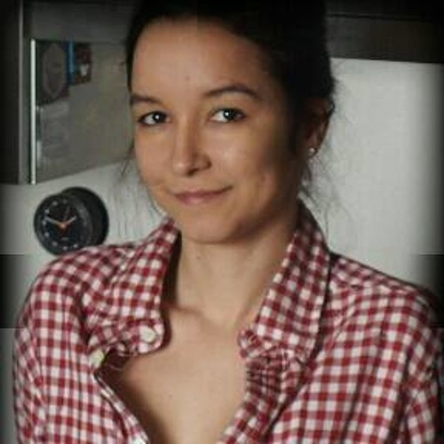 Marcela Prado's avatar