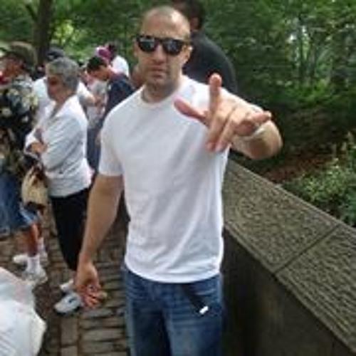 James Laracuenta's avatar