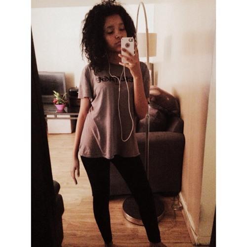 Charisma Michelle's avatar