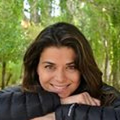 Luciana Maia Zuvic's avatar