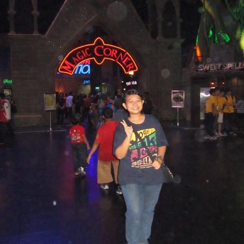 Asri Guswati Pertiwi's avatar
