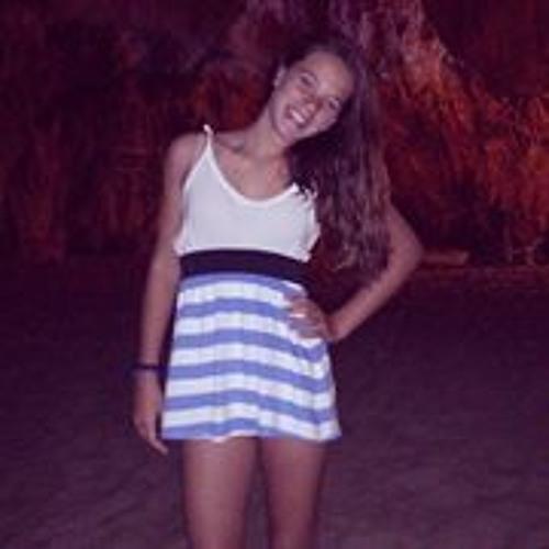 Carolina Pereira 46's avatar