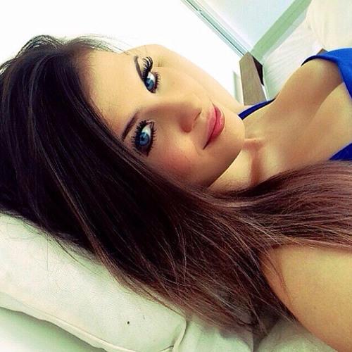 Rafaela018's avatar