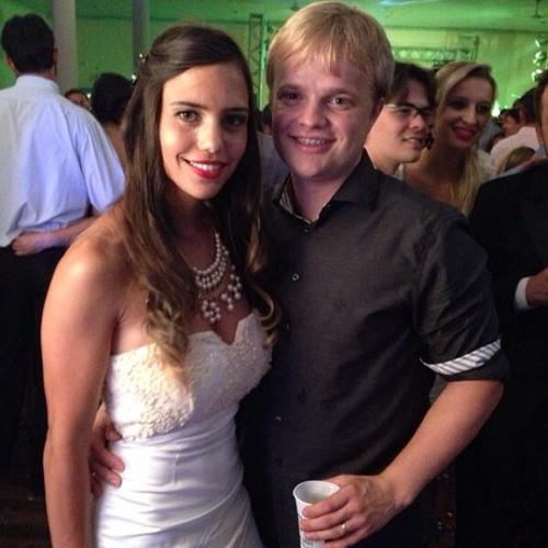 Ane Caroline Dias's avatar