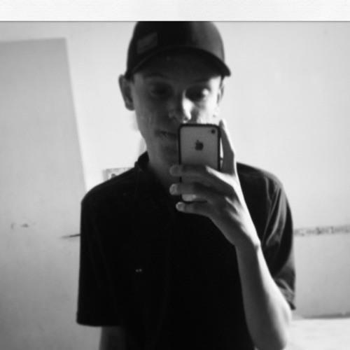 Izac Gomes's avatar