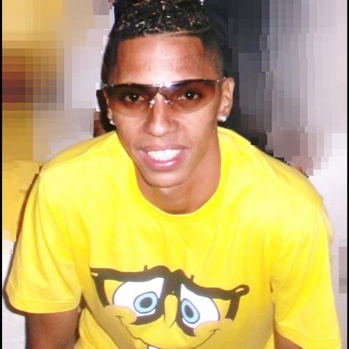 André Dos Charmozinhos's avatar