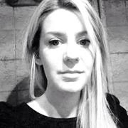 Laura-Alexandra's avatar