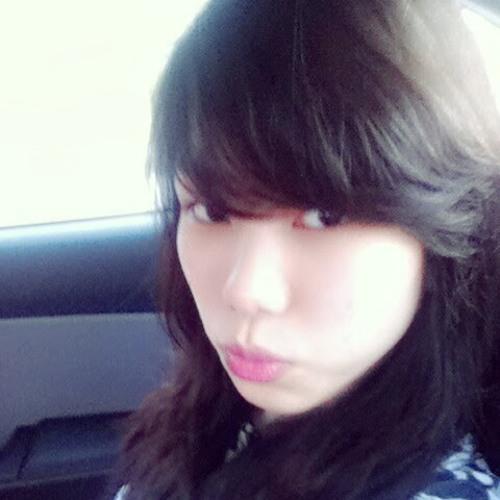 RubyNguyen812's avatar