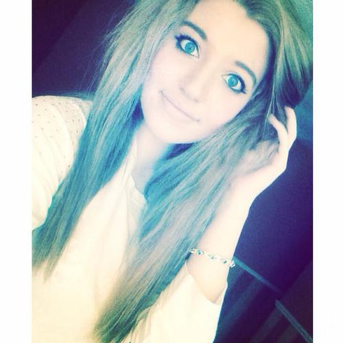 Carmella18's avatar