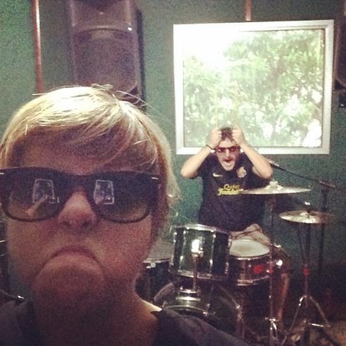 John & Sih's avatar