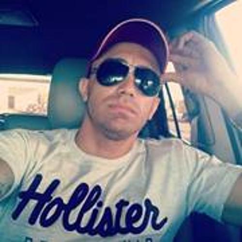 Flávio Paro's avatar