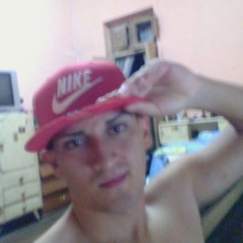 Angelo Arias Barandiaran's avatar